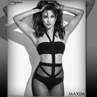 priyanka-chopra-sexy-bikini-black